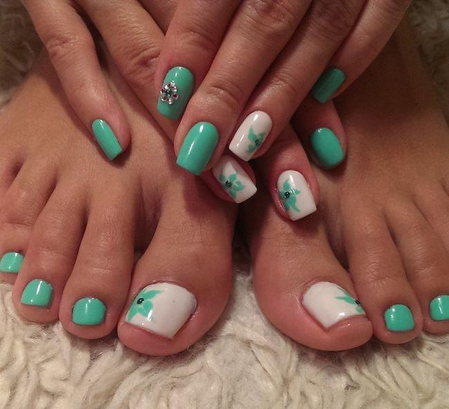 Ухоженные ногти рук и ног