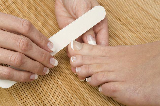 Подпил ногтей ног