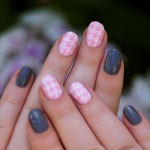 Сочетание розового цвета на ногтях