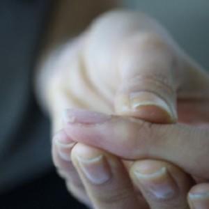 Лечение сломанного ногтя